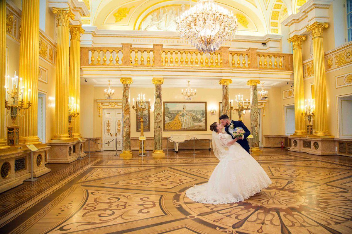 свадебная фотосессия в екатерининском дворце нежной